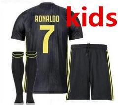 18/2019    child BOY kids kit Juventus jersey Cristiano Ronaldo Home Away  football shirt   juve soccer jersey kids kit