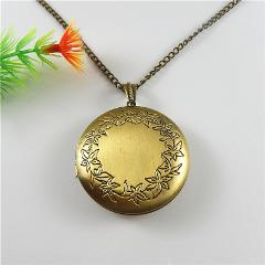 Male Long Chain Creative Design Bronze Wishes Box Pendant Necklace Alloy Flower Print Jewelry Fashion Women Gift 48*45mm52449